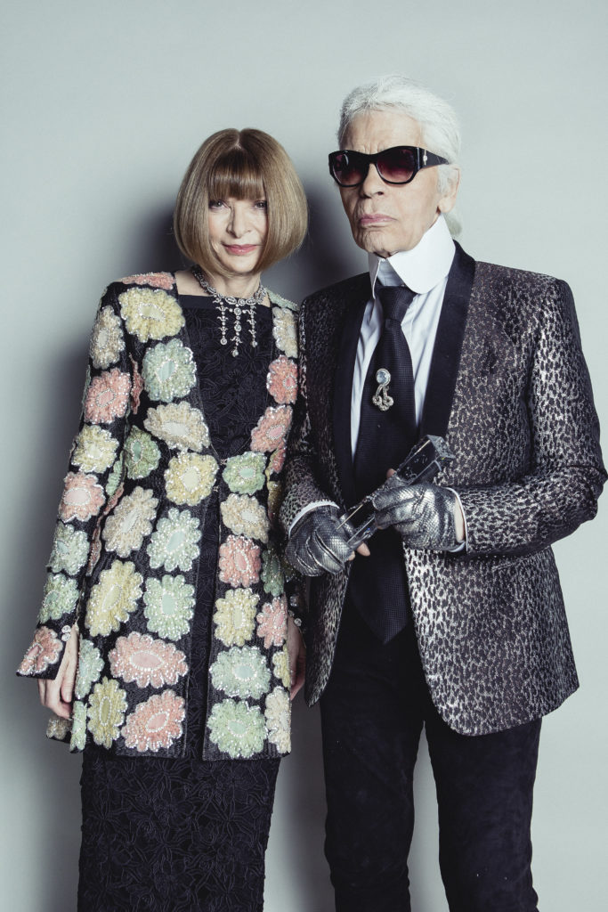 anna-wintour-and-karl-lagerfeld-bfa2015-winners-backstage-dan-sims-british-fashion-council
