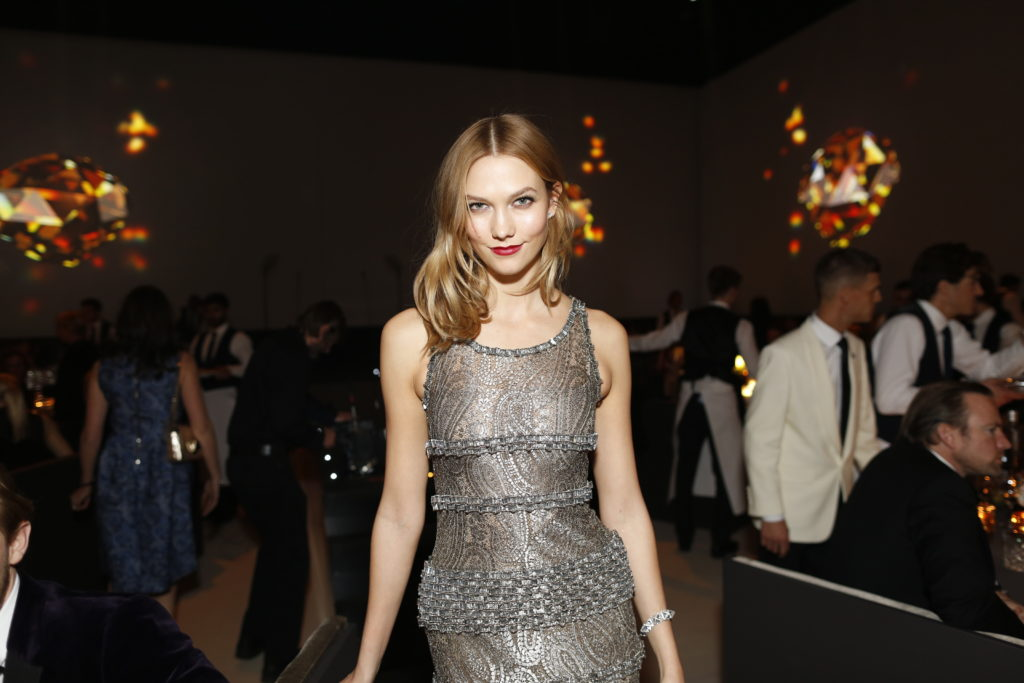 karlie-kloss-attends-the-british-fashion-awards-2015-in-partnership-with-swarovski-shaun-james-cox-british-fashion-council-hi-res110