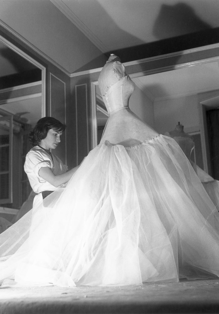 Inside the ateliers of the House of Dior c. 1950. Dior Heritage collection, Paris © Christian Dior / Photo: Bellini